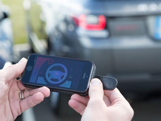 Carro da Jaguar Land Rover pode ser guiado por smartphone