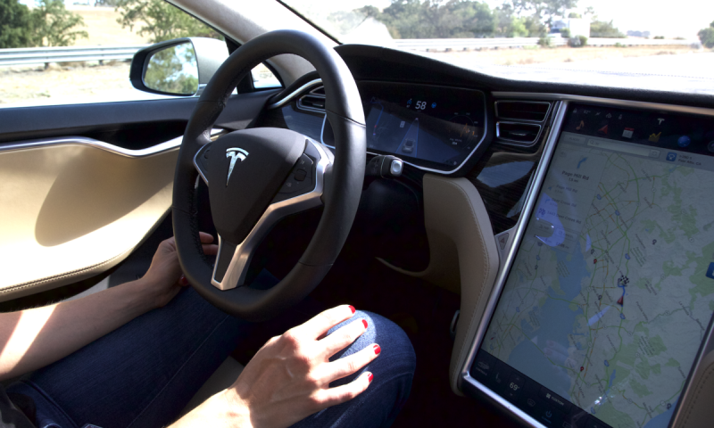 Tesla pode apresentar Novos Veículos Elétricos em 2017